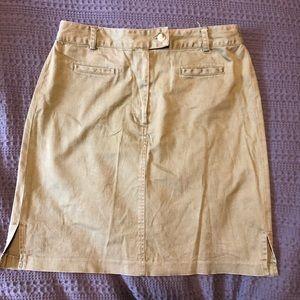 Army green khaki skirt with pockets!